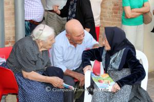 Teulada in festa per le sue sei nonnine centenarie.