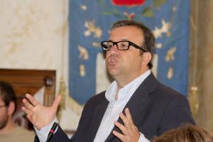 Il deputato Pd Emanuele Cani e il segretario Pd Daniele Reginali plaudono alla firma dell'accordo per l'ex Alcoa.