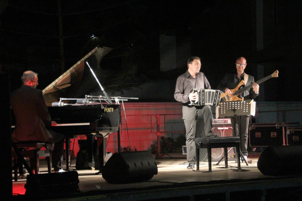 """Altro successo a Calasetta per la seconda tappa di """"Carignano Music Experience 2013""""."""