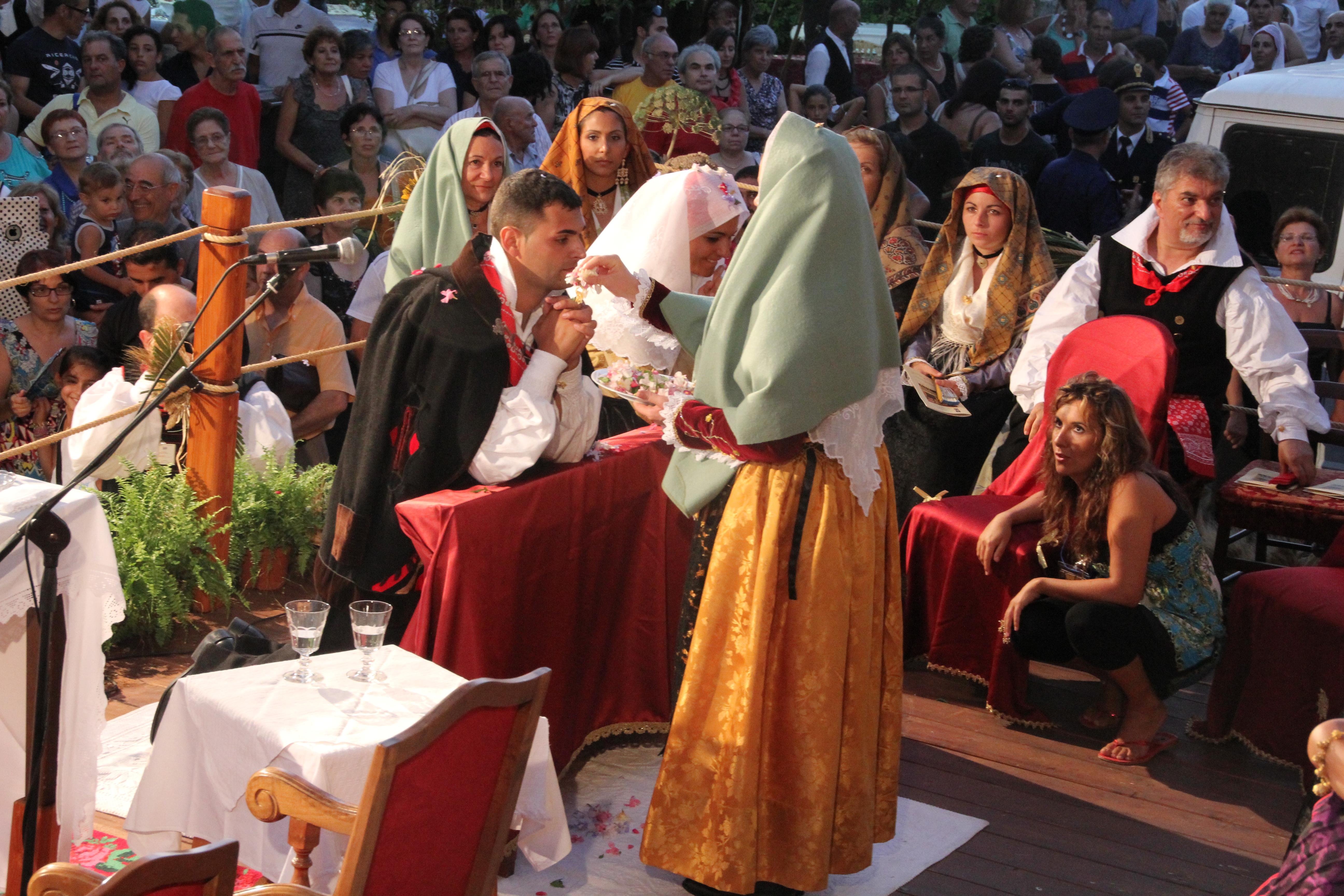 Matrimonio In Loco : Festa grande questa sera a santadi per il ° matrimonio
