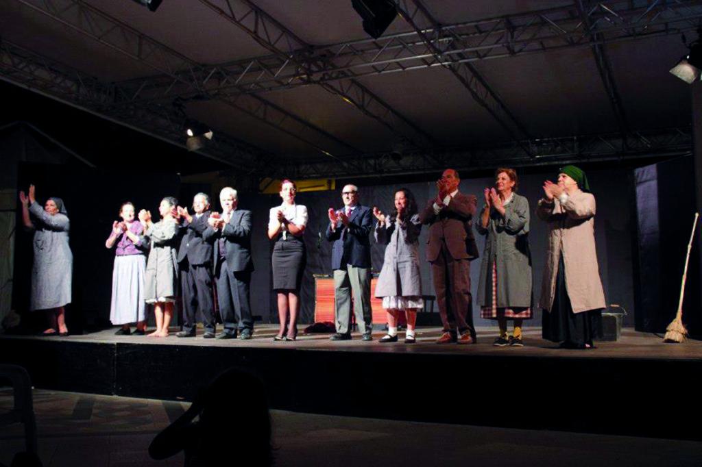"""""""Sant'Anna Arresi Teatro 2013"""", festival per un teatro pubblico popolare dal 30 luglio al 2 agosto."""