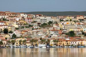 Il sindaco di Sant'Antioco ha firmato un'ordinanza che impone la rimozione delle piccole imbarcazioni presenti a terra nel Lungomare, in area demaniale.