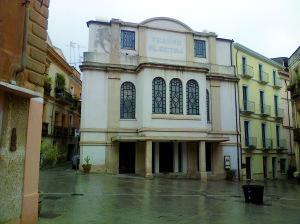 """Venerdì 7 novembre, al Teatro Electra di Iglesias, è in programma la seconda fase della manifestazione """"Vagli a spiegare che è primavera""""."""