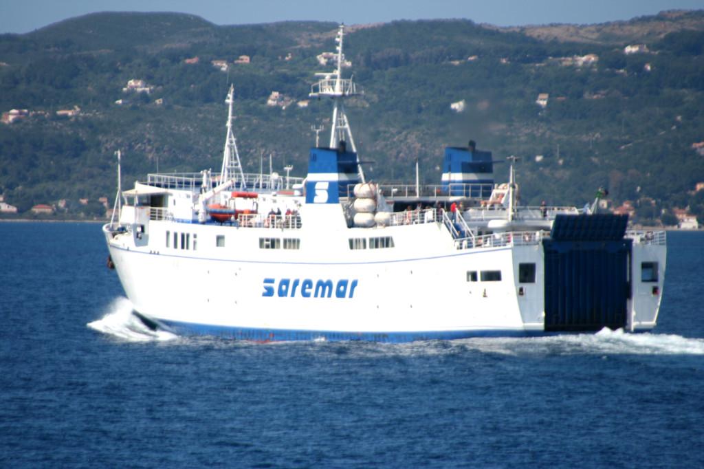 Traghetto Saremar.