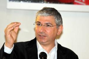 Nuova durissima presa di posizione del deputato Francesco Sanna (PD): «La Regione Sardegna blocca 124 milioni di euro di sgravi per le partite Iva».