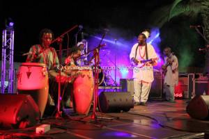 Dopo i trascinanti ritmi africani di Baba Sissoko e l'hip hop di Scarecrow Blues, Narcao Blues propone la band di Ian Siegal & Mike Sponza e quella di Henrik Freischlader.