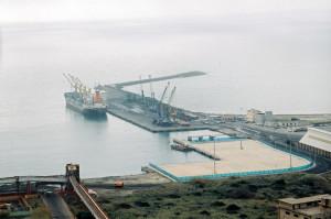 Migliorate le condizioni meteorologiche, sono riprese le attività nel porto di Portovesme.