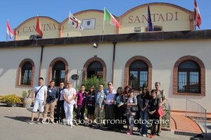 Quindici giornalisti cinesi nel Sulcis alla scoperta dei territori di produzione del Carignano, questa mattina sono stati ricevuti alla Cantina Santadi.
