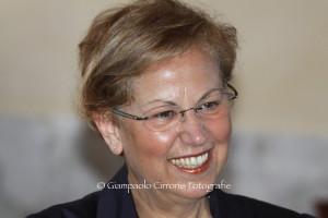 Il nuovo presidente del Rotary Club Carbonia, Lucia Amorino, inaugura gli incontri 2016/17 dedicati ad autori e filosofi contemporanei.