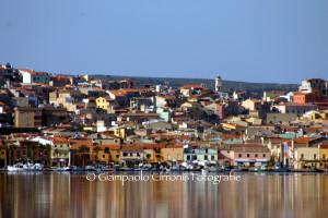 Il sindaco di Sant'Antioco, Ignazio Locci, ha ordinato la rimozione di tutte le piccole imbarcazioni che, senza alcun motivo, stazionavano a terra, in prossimità del mare.