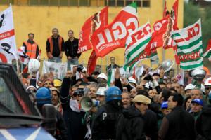 Prosegue a Cagliari la protesta dei lavoratori Alcoa di Portovesme.