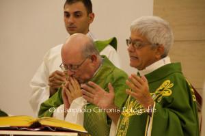 Don Amilcare Gambella ha fatto il suo ingresso domenica sera nella chiesa della parrocchia di San Ponziano Martire, a Carbonia.