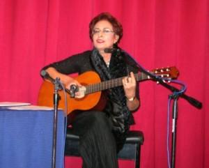 """""""Cantare le donne"""", un racconto con parole e musica, di e con Laura Pisano, venerdì 25 ottobre 2013, alle ore 21.00, al Teatro La Vetreria, in via Italia a Pirri. Organizza Il Crogiuolo."""