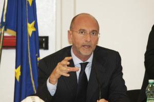 Ugo Cappellacci: «La Regione è pronta ad attivare una procedura di emergenza per affrontare la questione relativa alla mobilità in deroga.»