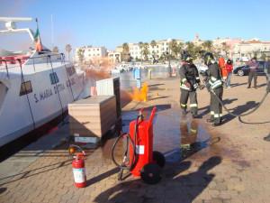 L'Ufficio circondariale marittimo di Portoscuso ha messo alla prova l'organizzazione in un'esercitazione antincendio nel porto turistico di Portoscuso.