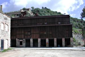 Domani, 4 dicembre, giorno di Santa Barbara, in ricordo delle vittime della miniera, nella miniera di Rosas verranno inaugurati i murales dell'artista Ielmo Cara e il presepe dello scultore Gianni Salidu.