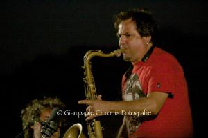 Enzo Favata in concerto, questa sera, al Teatro Centrale di Carbonia.