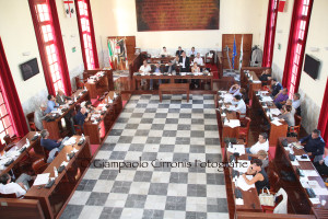 Il Consiglio comunale di Carbonia ha approvato una variazione di bilancio per oltre un milione di euro.