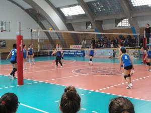 Le squadre maschile e femminile di volley del Liceo Emilio Lussu di Sant'Antioco sono vicecampioni interprovinciali dei campionati studenteschi.