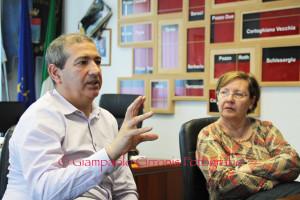 Il sindaco Casti e l'assessore Marongiu hanno presentato oggi la sintesi del consuntivo dei servizi sociali per aree tematiche.