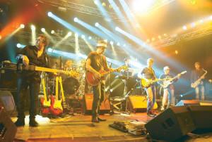 Grande musica sotto le stelle a Carloforte, al #Girotonno domani sbarcano i Maurilios & Friends.