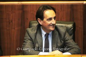 Crisi nella maggioranza di centrosinistra, s'è dimesso l'assessore regionale degli Affari Generali Gianmario Demuro (Pd).
