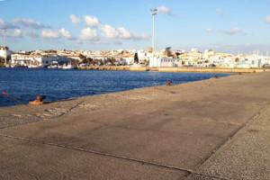 """Ignoti hanno divelto la recinzione della banchina """"B"""" del porto di #Calasetta, resta in vigore l'ordinanza che vieta transito ed ormeggio."""