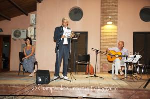 Grande partecipazione all'incontro di poesia e musica svoltosi martedì sera nelle strutture di S'Olivariu, con Ennio Meloni e Roberto Olla.
