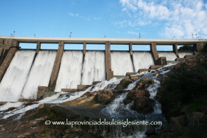 La Giunta Pigliaru ha stanziato 30 milioni di euro per sistemare le reti idriche colabrodo più altri 5 per monitorare e verificare l'efficacia degli interventi.