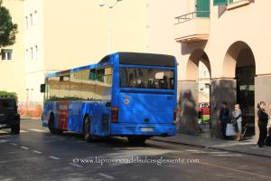 L'Arst, a Carbonia, sposta la fermata dell'autobus extraurbano dalla via Manno alla via Trento, scatenando le proteste di un gruppo di cittadini.