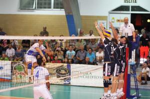 La VBA/Olimpia Sant'Antioco cala il poker di vittorie e si insedia al quarto posto in classifica nella B1 di volley.