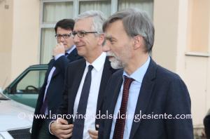 I principali problemi dei diversi settori produttivi sono stati al centro dell'incontro svoltosi questa mattina tra il presidente Francesco Pigliaru e il sottosegretario della Presidenza del Consiglio dei Ministri, Graziano Delrio.