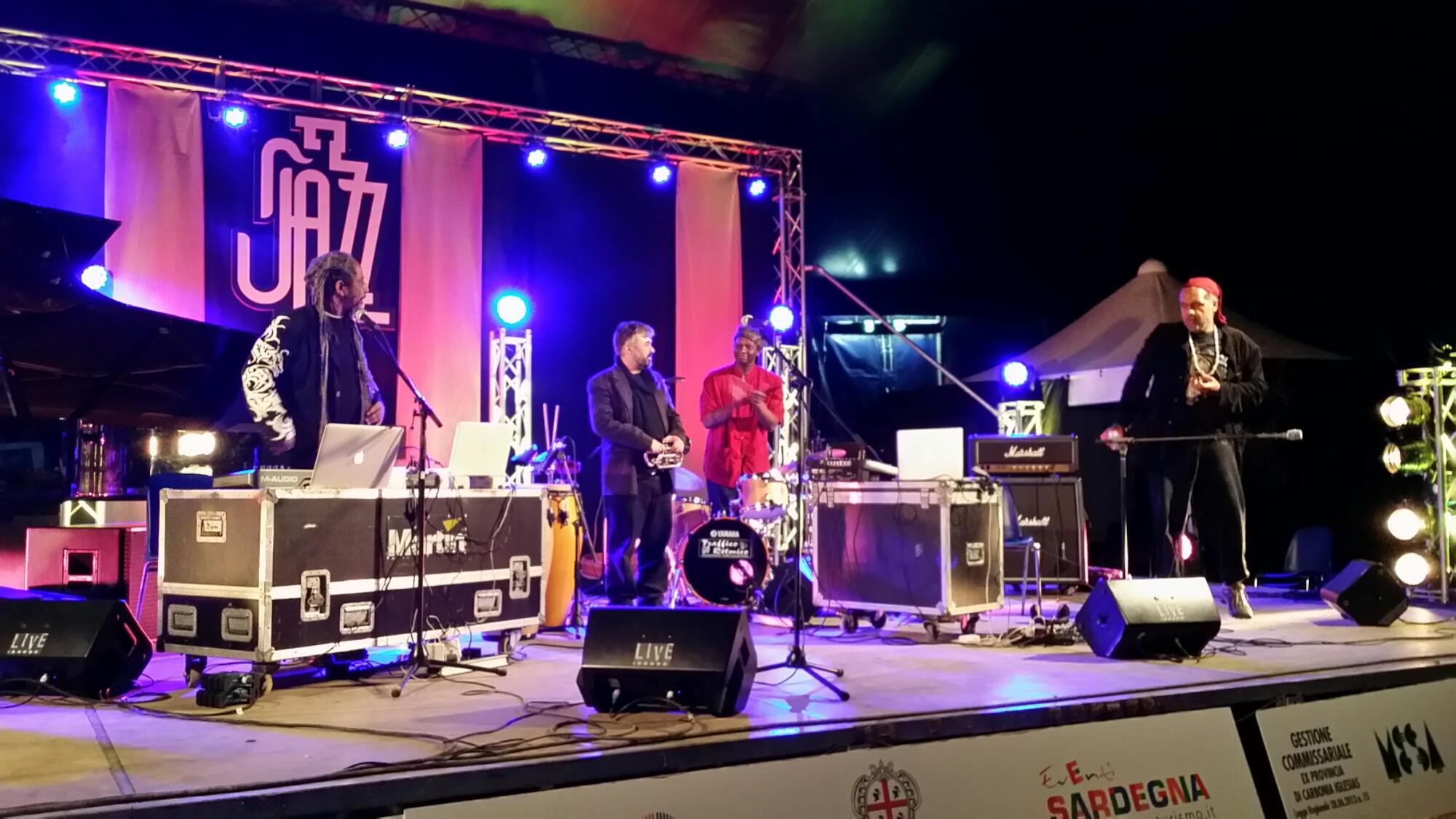 L'associazione Punta Giara festeggia l'ultima notte dell'anno con 4 concerti gratuiti.
