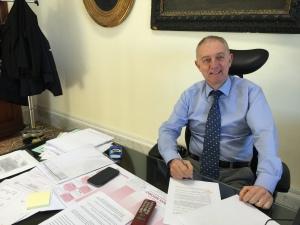 Il direttore sanitario dell'AOU di Cagliari, Oliviero Rinaldi, è stato chiamato ai vertici di un'importante azienda sanitaria del Nord Italia.