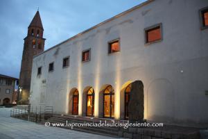 """Prosegue domenica, alle 18.00, al Teatro Centrale di Carbonia, la 4ª rassegna """"Identità in transito""""."""