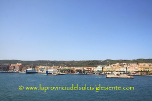 Ignazio Locci (FI) critica l'assessore dei Lavori pubblici Paolo Maninchedda, sui finanziamenti per la portualità del Sulcis.
