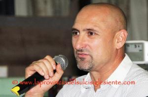La coppia formata Gianluca Festa e David Suazo sulla panchina del Cagliari nelle ultime 7 giornate al posto del dimissionario Zdenek Zeman.