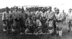 La squadra di paracadutisti della Folgore con Modesto Melis.