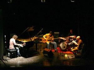 """Domani sera, a Cagliari, per la rassegna """"Forma e Poesia nel Jazz"""", il gruppo Musica ex Machina in concerto al Lazzaretto."""