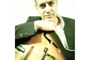 """Il quartetto del chitarrista Carlo Ditta chiude domani al Lazzaretto di Cagliari la 18ª rassegna """"Forma e Poesia nel Jazz""""."""