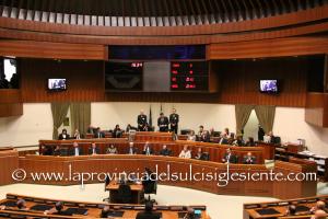 """Il Consiglio regionale ha rinviato in IV commissione la risoluzione n. 4 """"sui trasporti marittimi da e per la Sardegna gestiti dalla società Cin-Tirrenia spa""""."""