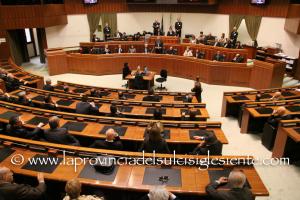 E' proseguito ieri, in Consiglio regionale, l'esame del disegno di legge n. 382/A sulle variazioni del bilancio.