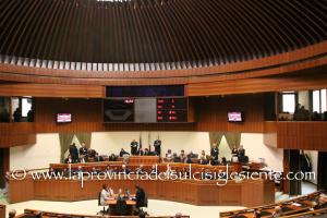 Il Consiglio regionale ha approvato i primi 36 commi dell'articolo 1 del disegno di legge 382 sulle variazioni del bilancio.
