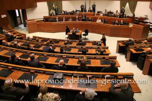Il Consiglio regionale ha approvato il passaggio agli articoli del disegno di legge sulle variazioni del bilancio.
