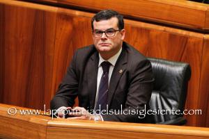 L'assessore Arru ha chiesto ai proprietari delle cliniche di Cagliari Villa Elena e Sant'Anna la sospensione dei provvedimenti sul personale.