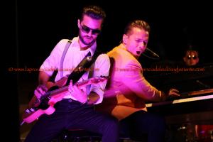 Strepitosa esibizione di Matthew Lee, sabato sera, al Carignano Music Experience, sul palco della Cantina Santadi.