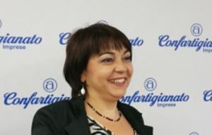 La presidente di ANAP Sardegna, Paola Montis, esprime soddisfazione per la proposta, ora in Parlamento, di pene più severe per chi truffa gli anziani.