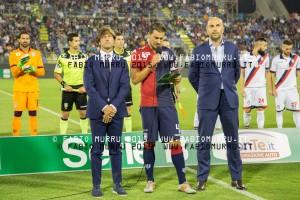 Il tecnico Massimo Rastelli, il capitano Daniele Dessena e il presidente Tommaso Giulini.