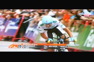 Tom Dumoulin strappa altri 3″ a Fabio Aru, ora distanziato di 6″, la Vuelta si decide sabato sulle ultime montagne.