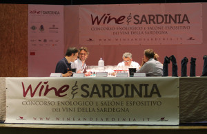 Wine-and-Sardinia-Concorso-2015---commissione